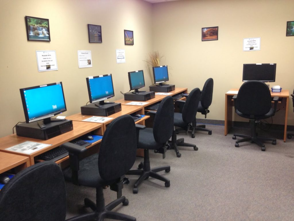 Let Us Help You In Our Computer Lab Ywca Saskatoon